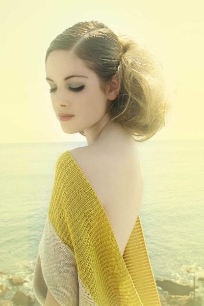Amarillo y Azul - Retrato. Fina Lunes