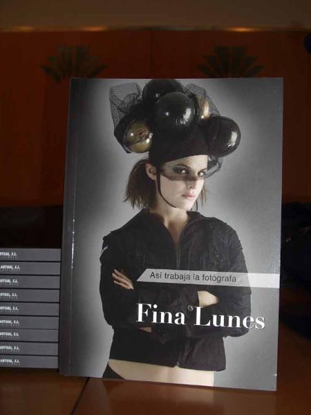 Presentación cubierta libro Fina Lunes